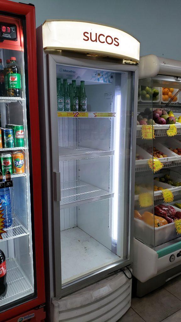 mockup-geladeira-sucos